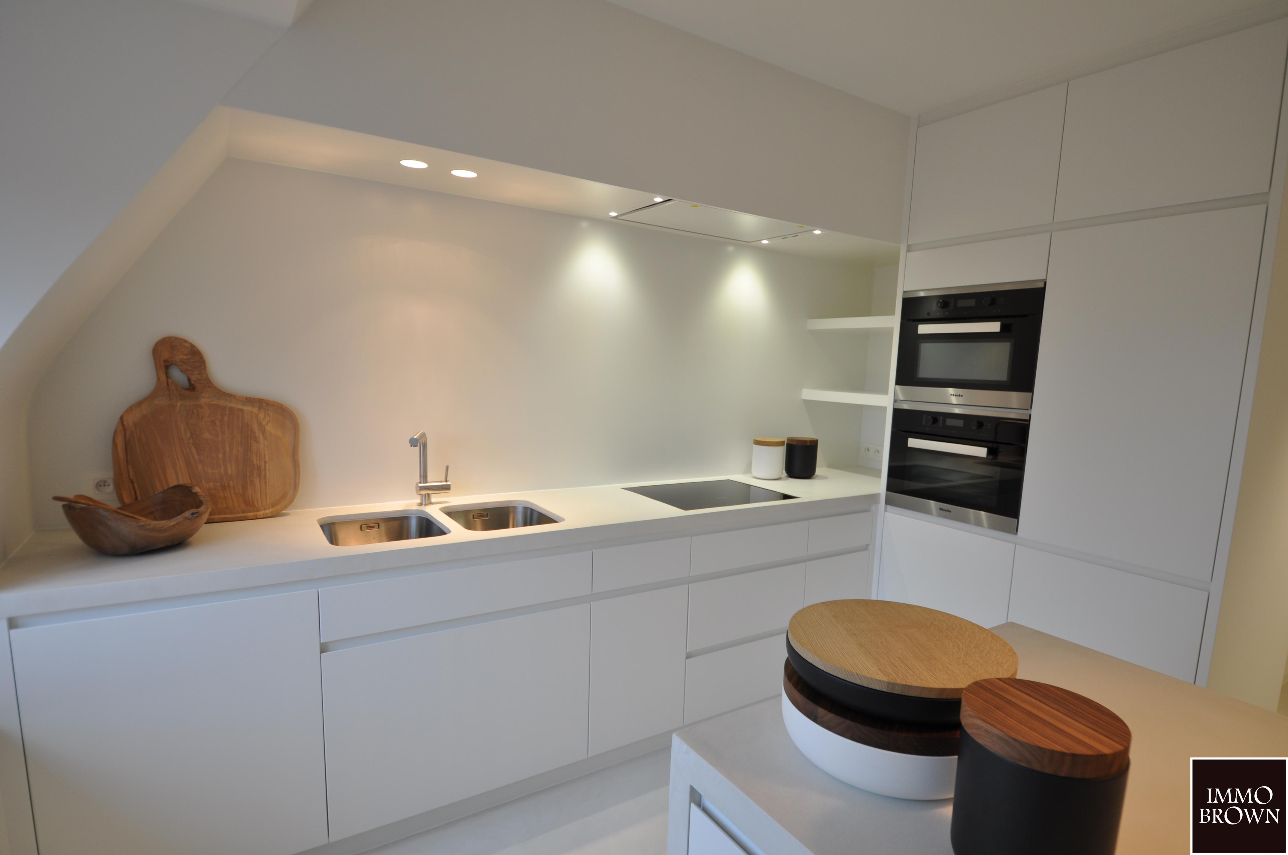Beton cire badkamers en keukens - Kameleon Interiors - Kasterlee