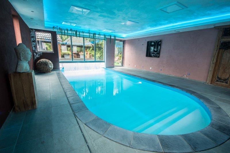 zwembad binnen