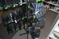 ruim assortiment handschoenen te verkrijgen vanaf 15 euro tot en met 60 euro