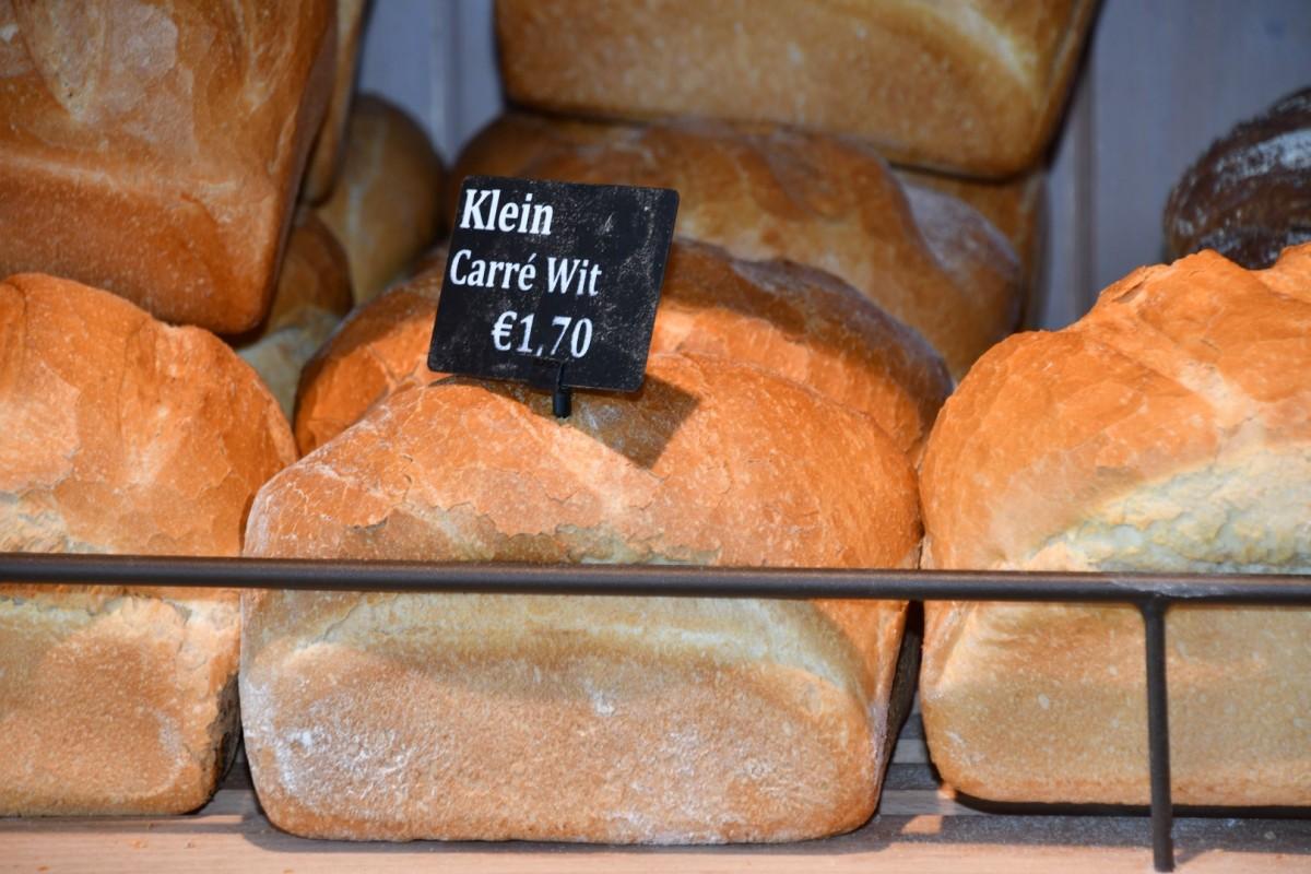 Klein carré wit brood