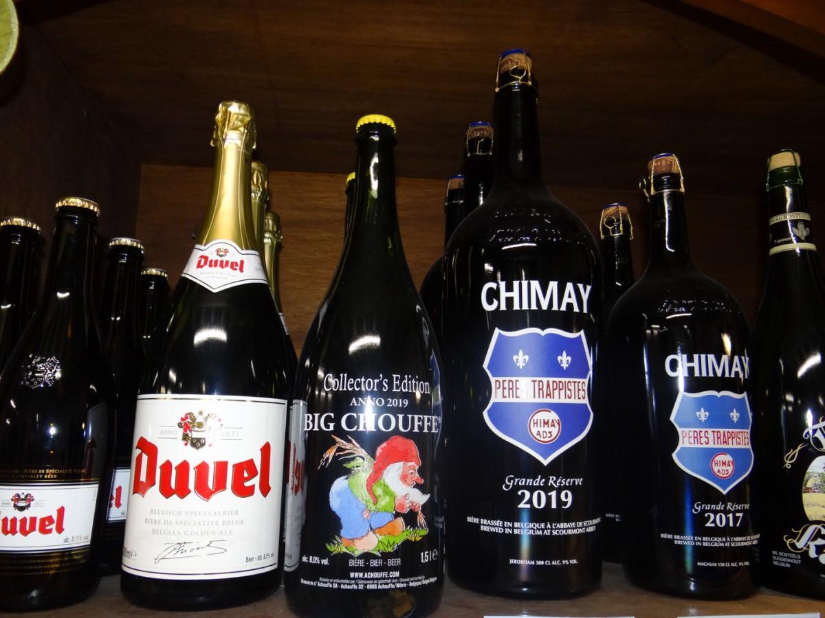 Bier in grote flessen