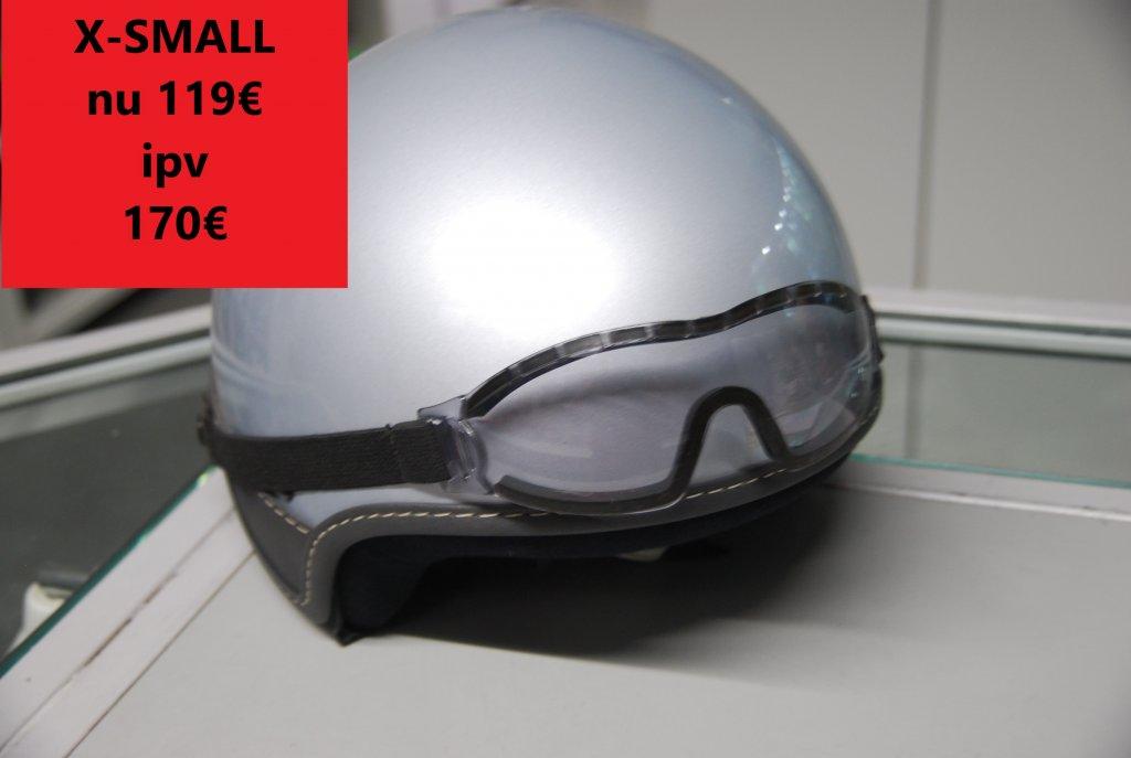 x-small vespa helm grijs