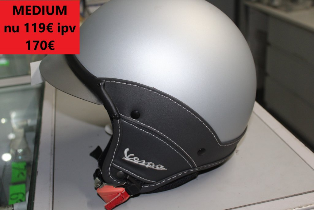 medium vespa helm mat grijs