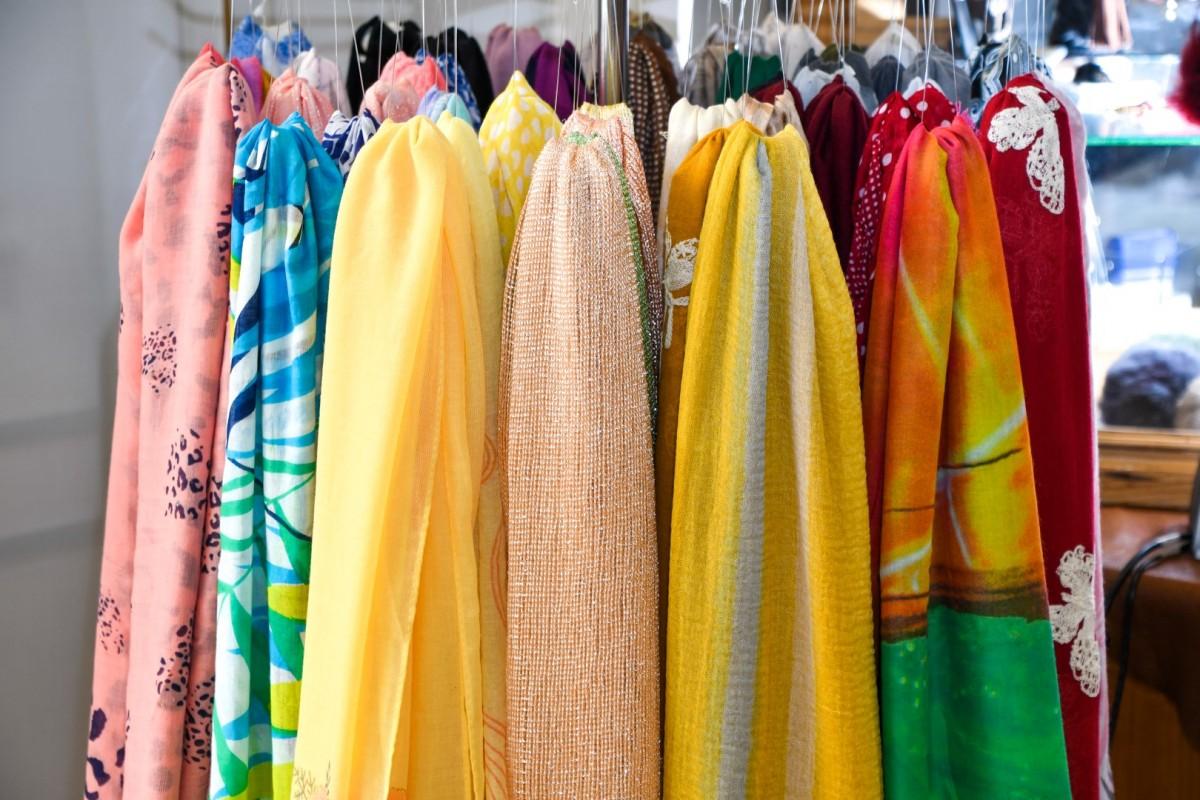 Damessjaals in katoen of zijde