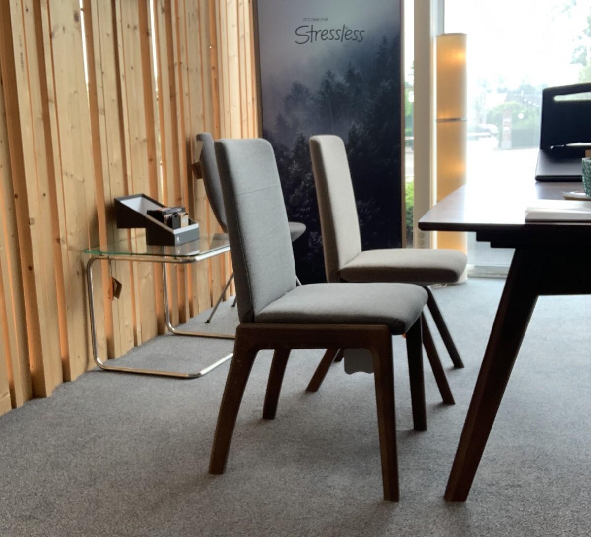 SET uitschuifbare tafel + stoelen