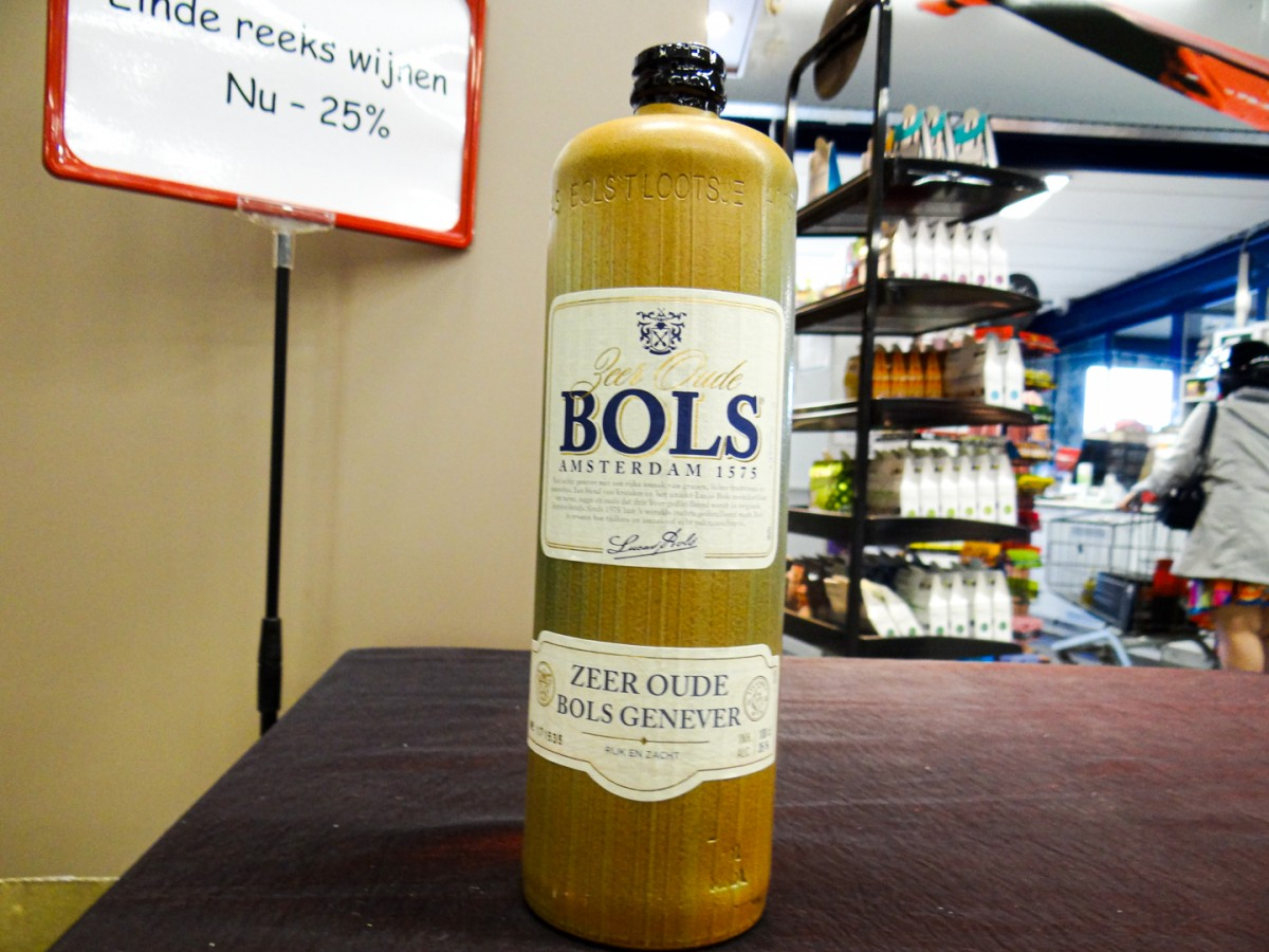 Bols jenever in stolp