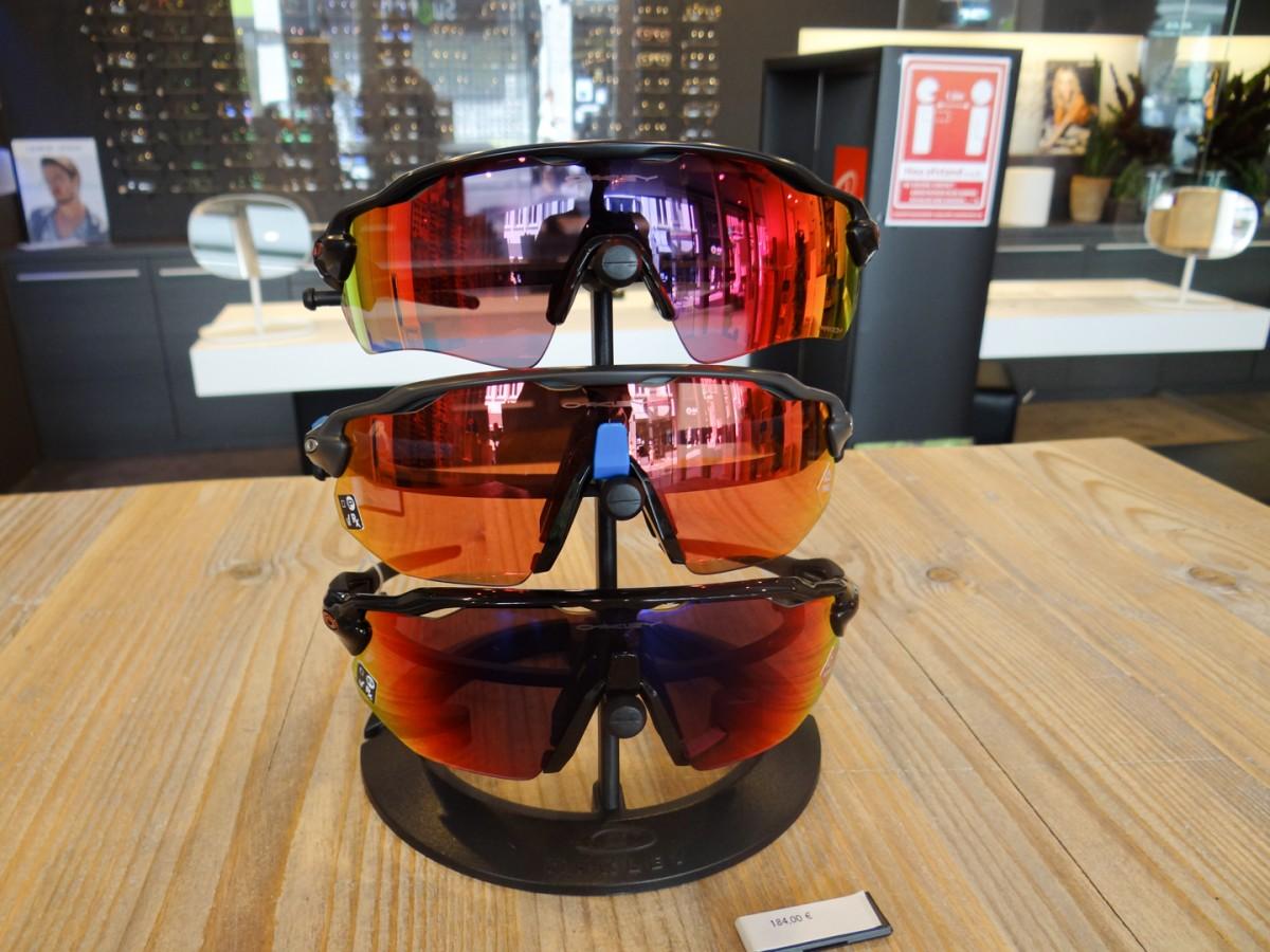 Kleurrijke sportieve zonnebrillen