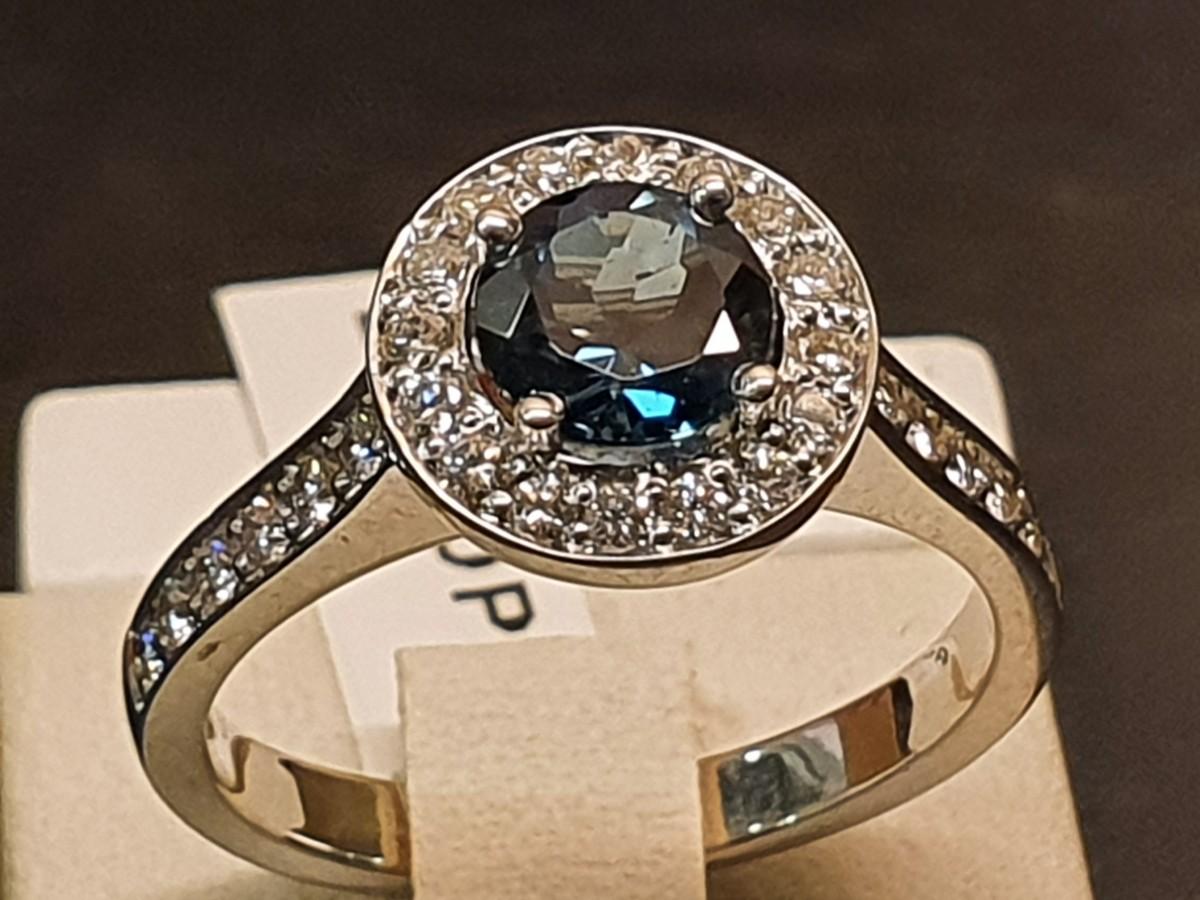 Ring met Topaz en Briljant handmade