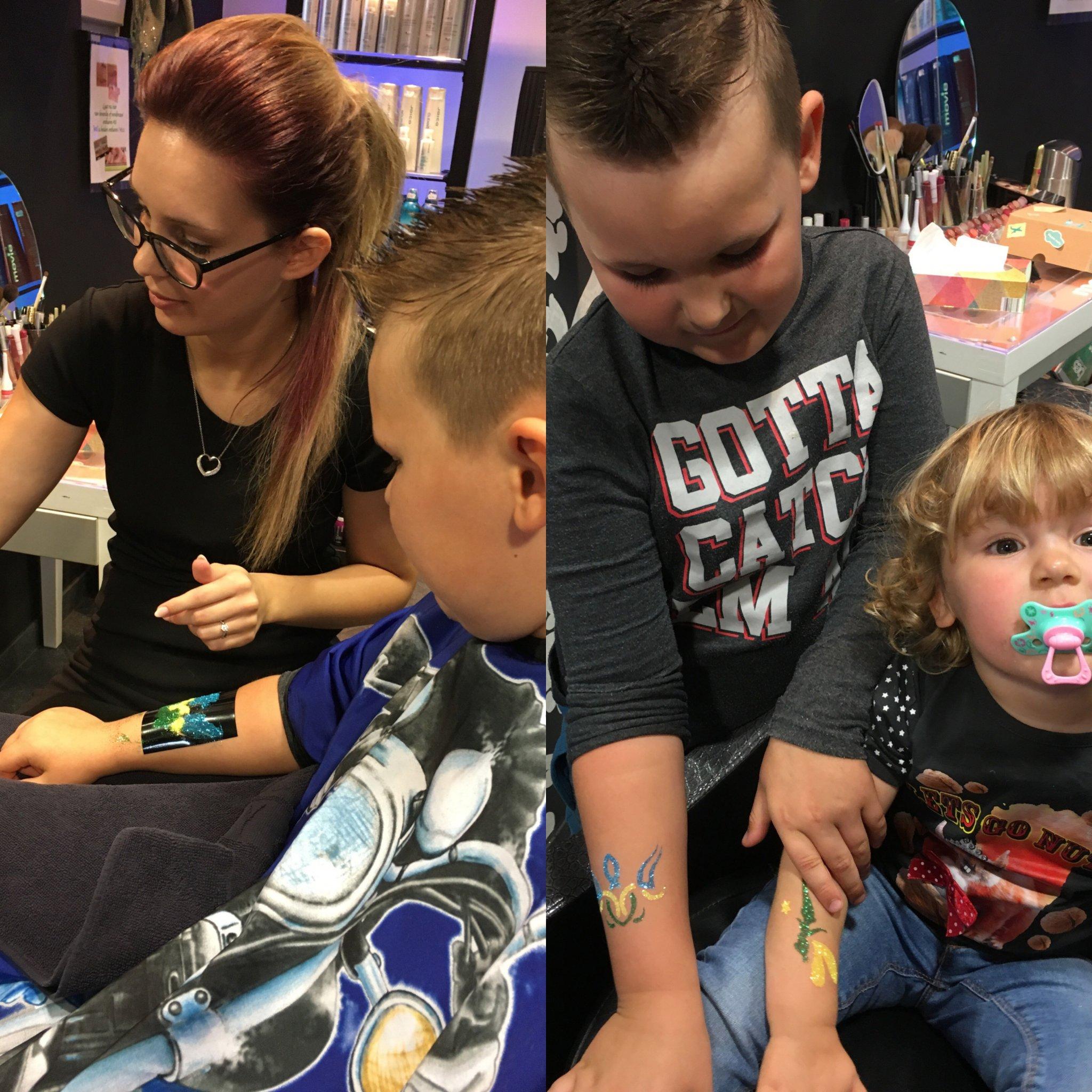 Voor de kids hebben we leuke extraatjes, een tatoo of kindergrime.