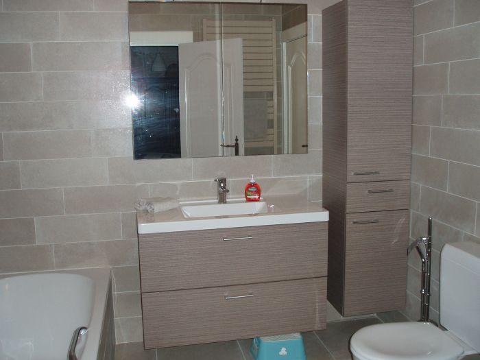 laminaat badmeubel met tablet en lavabo in kunstmarmer te Zoersel