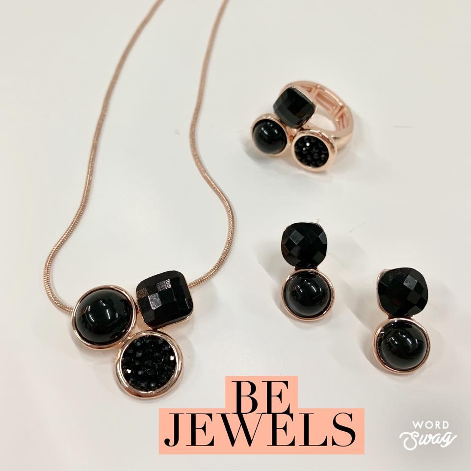 fijne collectie kettingen, armbanden en oorbellen, Be jewels