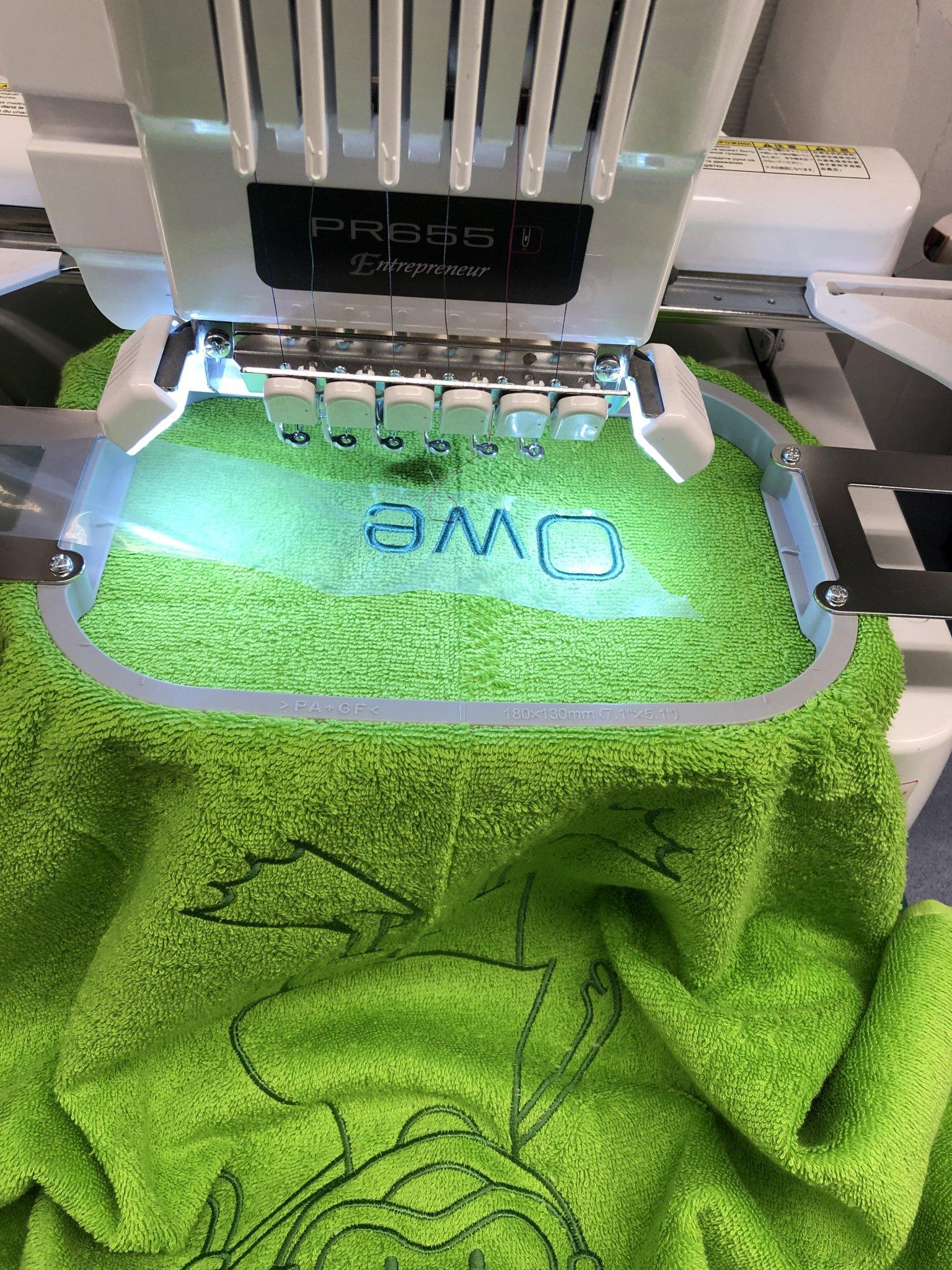 personaliseren, borduren van badlinnen en keukenlinnen