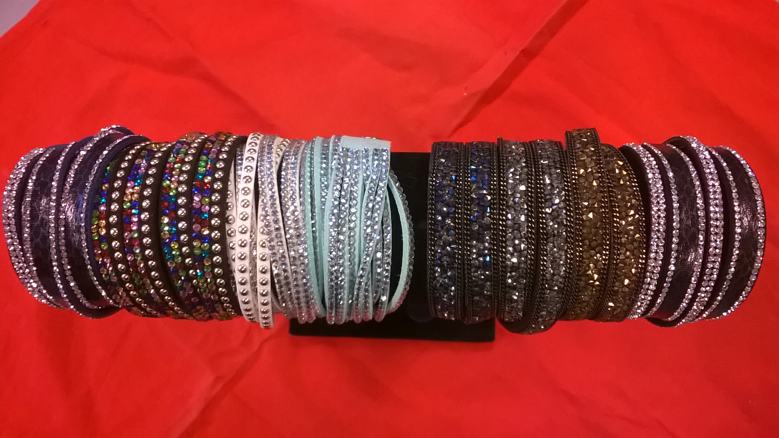 Hippe armbandjes (7.95 �)