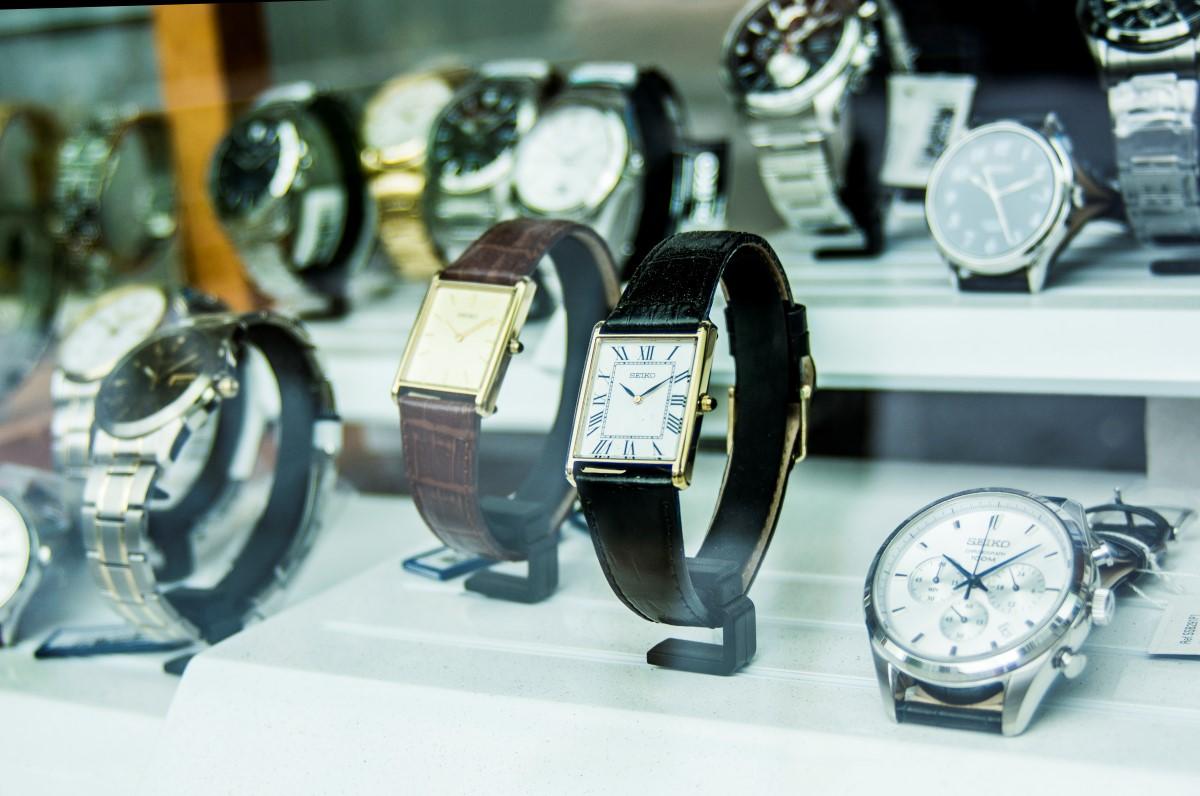 horloges met rechthoekige wijzerplaat