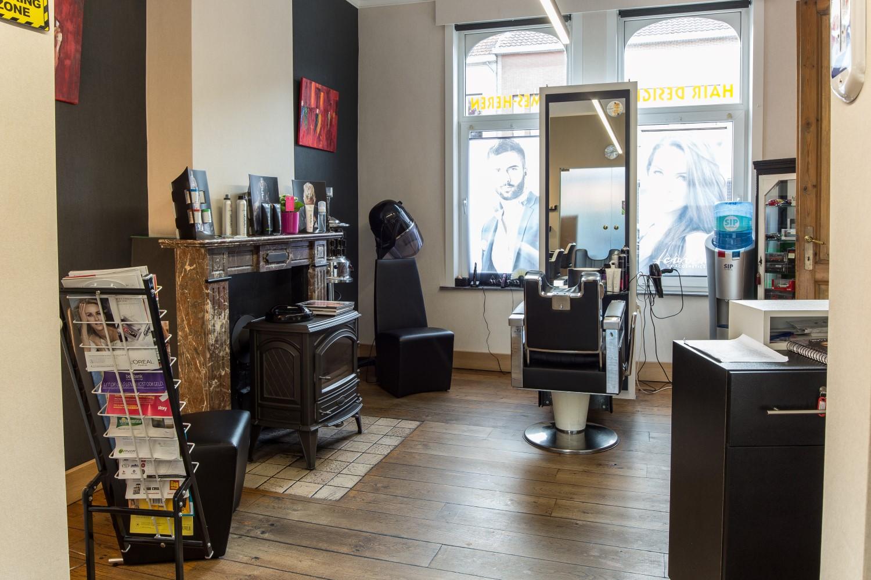 Geniet in heerlijke zittende stoelen in de kapsalon van Hair Design, Dendermonde