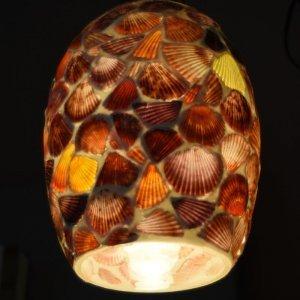 hanglamp met schelpen