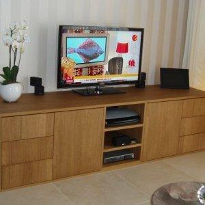 fineer eiken tv-meubel te Deurne