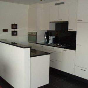 keuken met graniet tablet en wand te Vorselaar