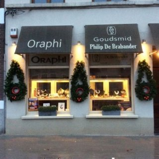 Oraphi
