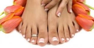 Colour Your Nails / Treat Your Feet